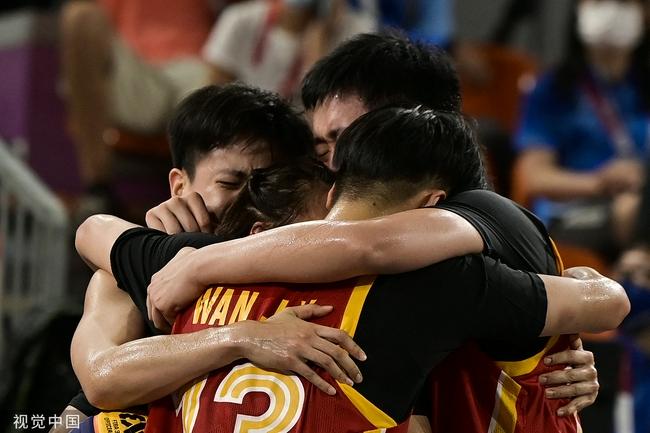 【女篮】杜锋祝贺三人女篮摘铜:中国篮球人继续加油!